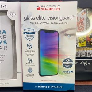 zagg Accessories - ZAGG screen protector + clear case Bundle New
